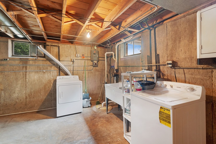 Real Estate Photography - 425 Aurora Way, Wheaton, IL, 60187 - Laundry and Storage Space