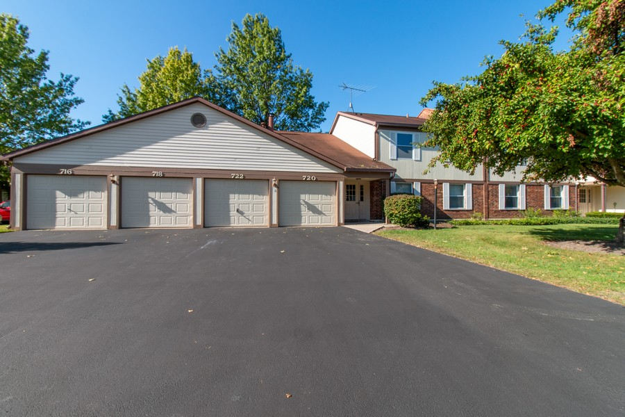 Real Estate Photography - 722 Deer Run Dr, Palatine, IL, 60067 - Front View