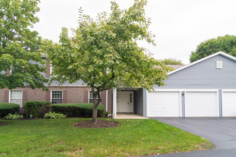 Real Estate Photography - 698 Greenfield Ct, C1, Bartlett, IL, 60103 - Front View