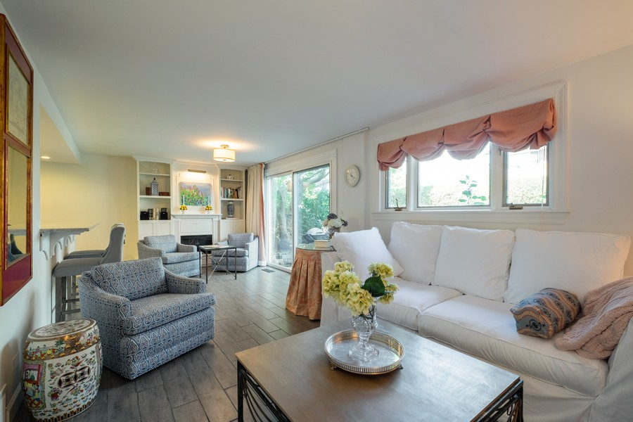 Real Estate Photography - 276 Crestwood, Northfield, IL, 60093 - Family Room