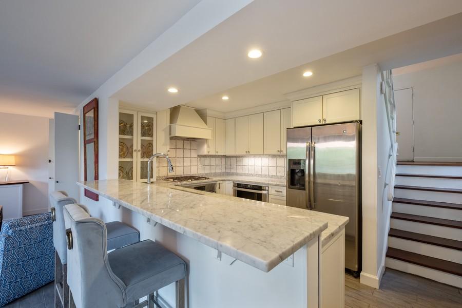 Real Estate Photography - 276 Crestwood, Northfield, IL, 60093 - Kitchen