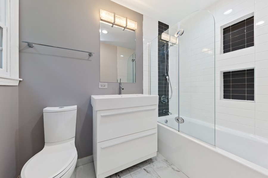 Real Estate Photography - 2S052 Big Horn Dr, Wheaton, IL, 60189 - Master Bathroom