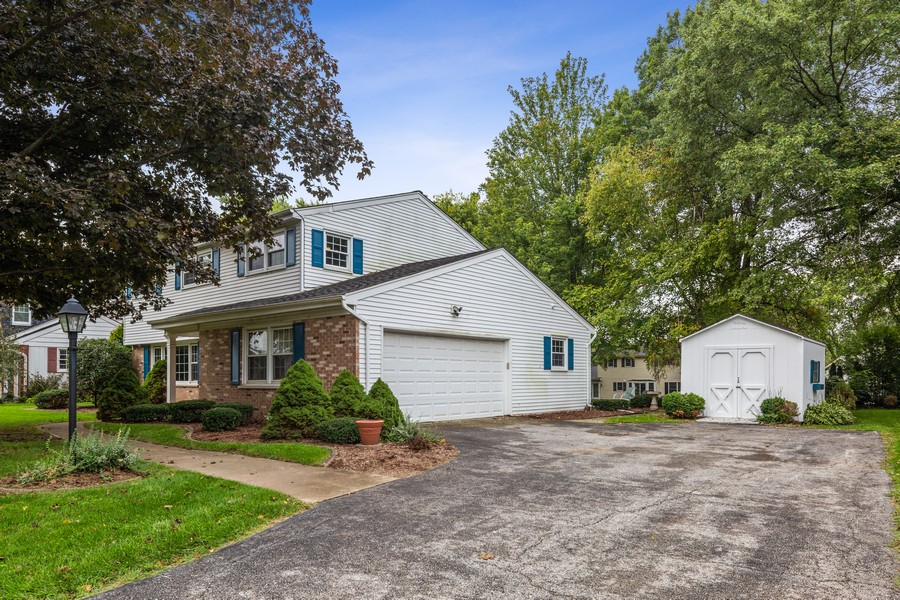 Real Estate Photography - 2S052 Big Horn Dr, Wheaton, IL, 60189 - Side View