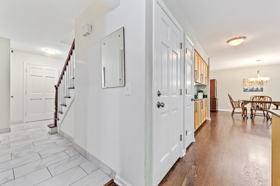 Real Estate Photography - 2S052 Big Horn Dr, Wheaton, IL, 60189 - Hallway