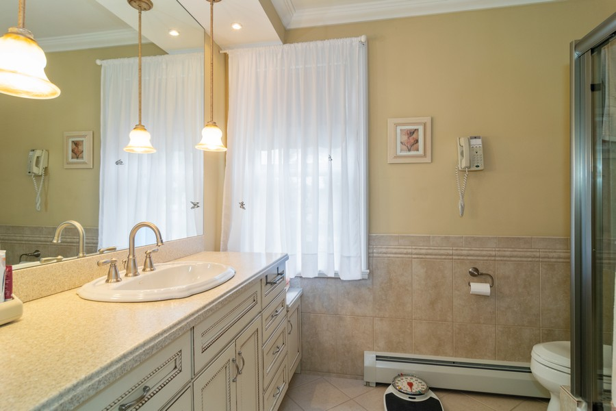 Real Estate Photography - 416 Chara Ct, Bartlett, IL, 60103 - Master Bathroom