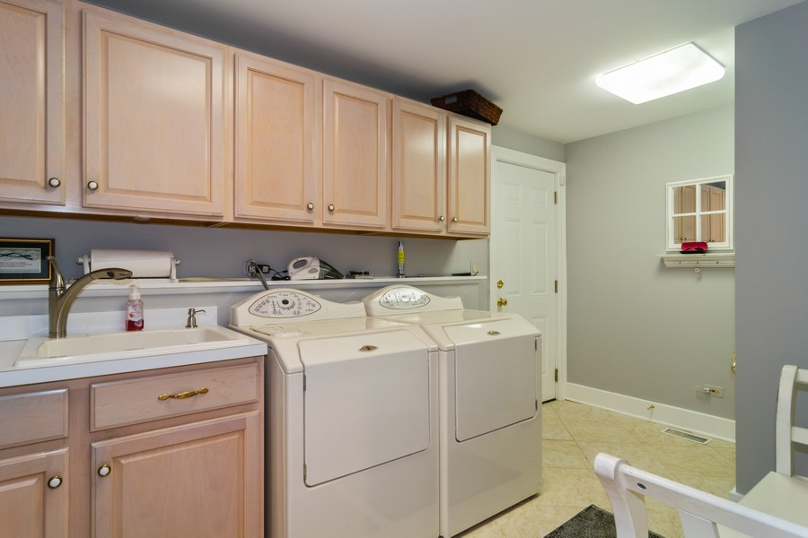 Real Estate Photography - 416 Chara Ct, Bartlett, IL, 60103 - Laundry Room