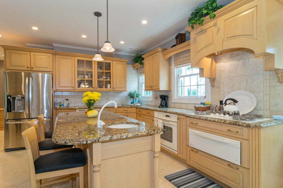 Real Estate Photography - 416 Chara Ct, Bartlett, IL, 60103 - Kitchen