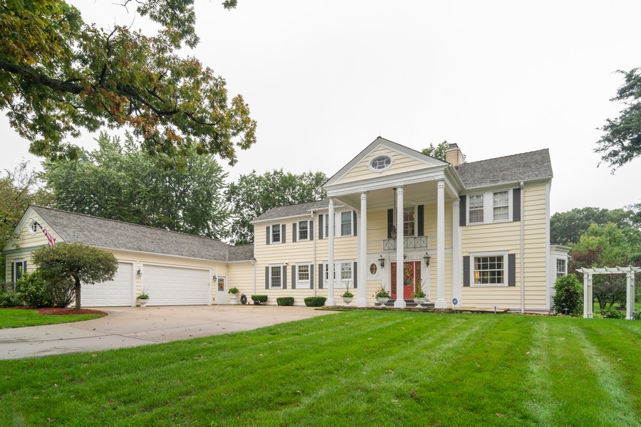 Real Estate Photography - 416 Chara Ct, Bartlett, IL, 60103 - Front View