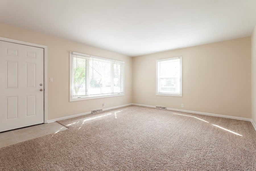 Real Estate Photography - 624 North Westlawn Ave, Aurora, IL, 60506 - Living Room