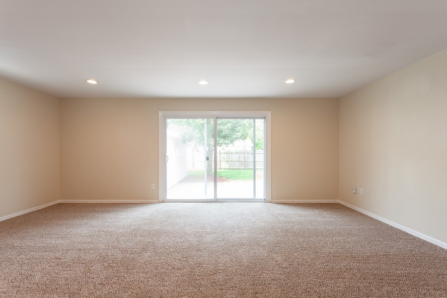 Real Estate Photography - 624 North Westlawn Ave, Aurora, IL, 60506 - Family Room