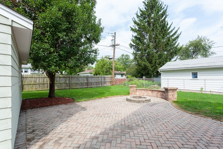 Real Estate Photography - 624 North Westlawn Ave, Aurora, IL, 60506 - Patio