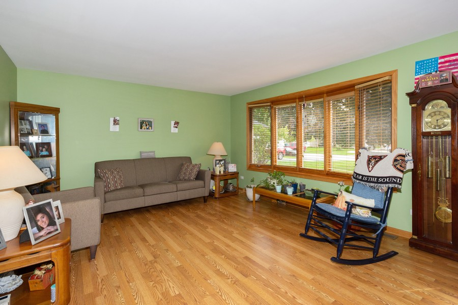 Real Estate Photography - 40 Ponderosa Dr, Romeoville, IL, 60446 - Living Room