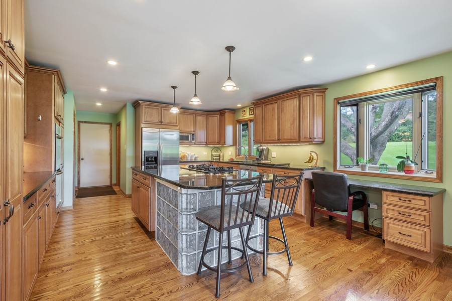 Real Estate Photography - 24650 West Middle Fork Rd, Barrington, IL, 60010 - Kitchen
