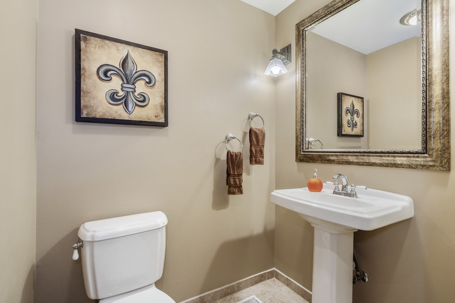 Real Estate Photography - 24650 West Middle Fork Rd, Barrington, IL, 60010 - Powder Room