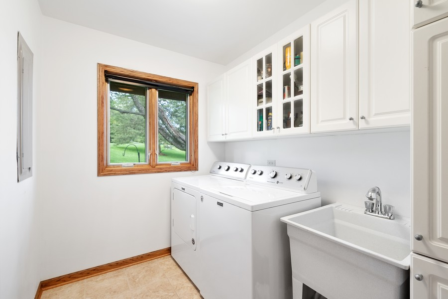 Real Estate Photography - 24650 West Middle Fork Rd, Barrington, IL, 60010 - Laundry Room