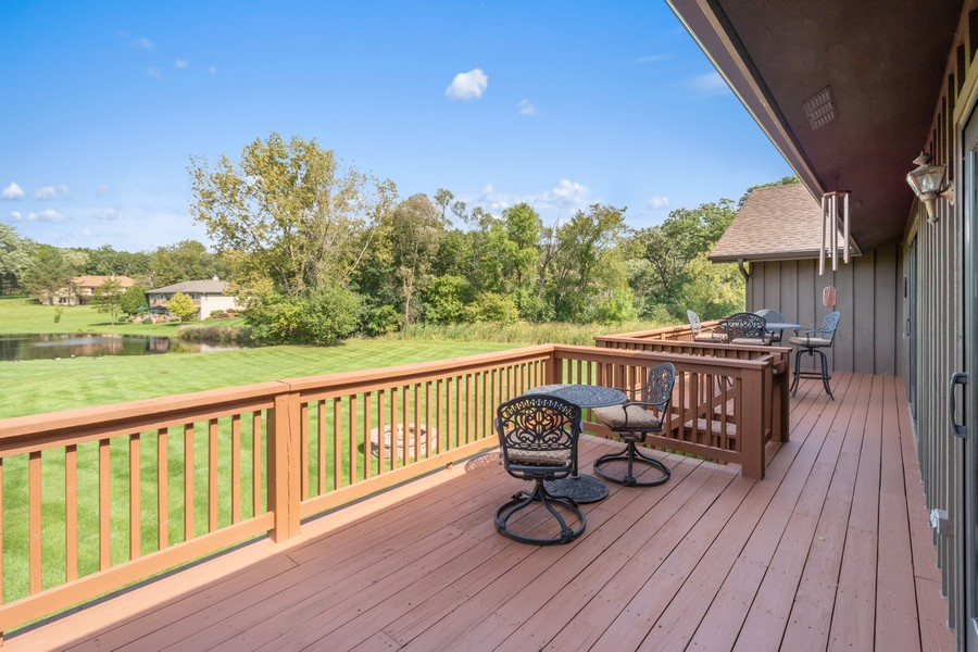 Real Estate Photography - 24650 West Middle Fork Rd, Barrington, IL, 60010 - Deck