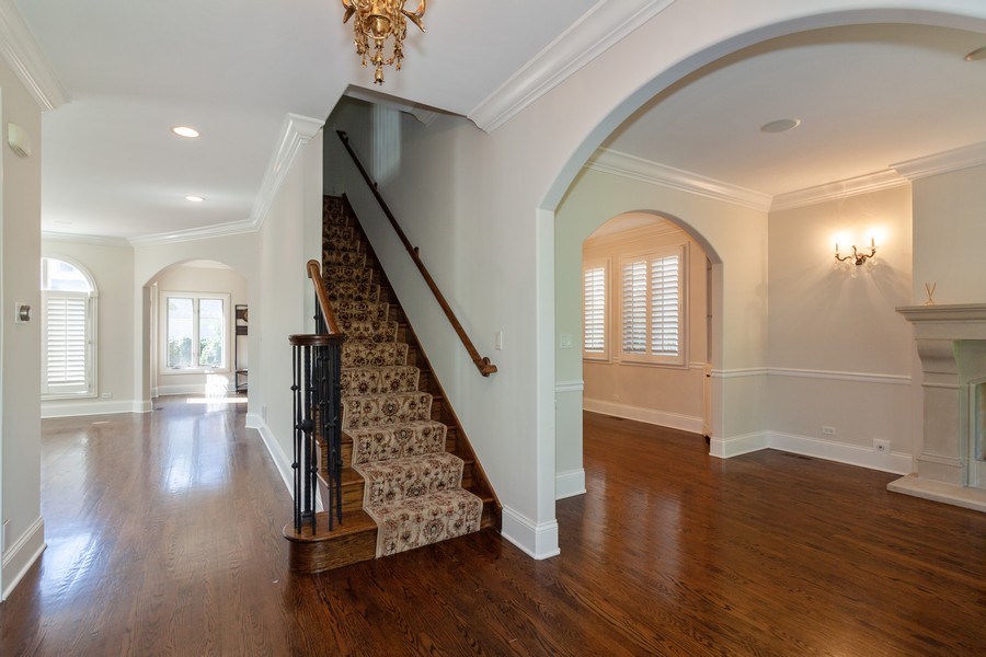 Real Estate Photography - 320 Justina St, Hinsdale, IL, 60521 - Foyer