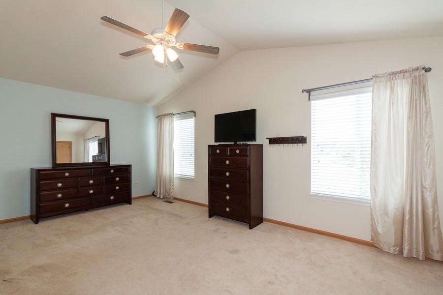 Real Estate Photography - 669 Blackhawk Ln, Bolingbrook, IL, 60440 - Master Bedroom