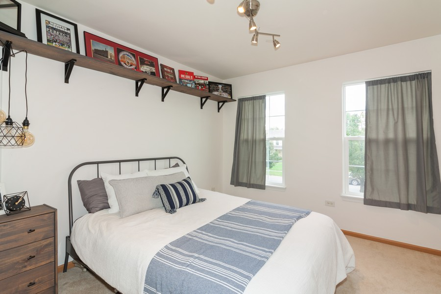 Real Estate Photography - 669 Blackhawk Ln, Bolingbrook, IL, 60440 - Bedroom
