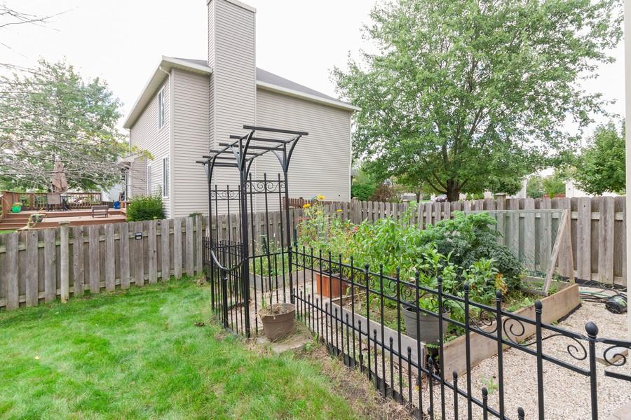 Real Estate Photography - 669 Blackhawk Ln, Bolingbrook, IL, 60440 - Back Yard