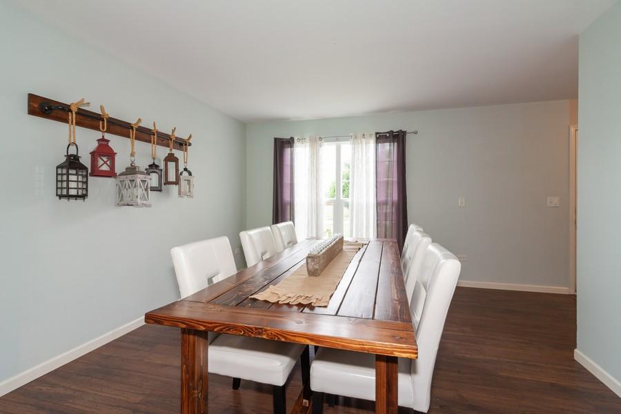 Real Estate Photography - 669 Blackhawk Ln, Bolingbrook, IL, 60440 - Dining Room
