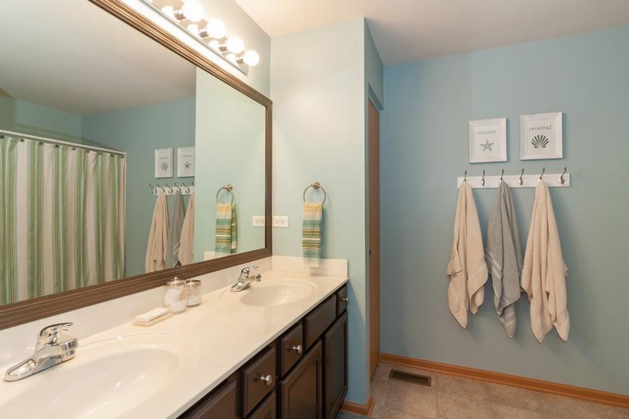 Real Estate Photography - 669 Blackhawk Ln, Bolingbrook, IL, 60440 - Bathroom