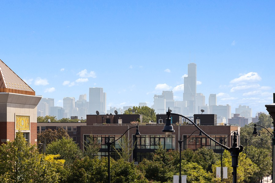 Real Estate Photography - 2202 North Halsted St, Chicago, IL, 60614 - View