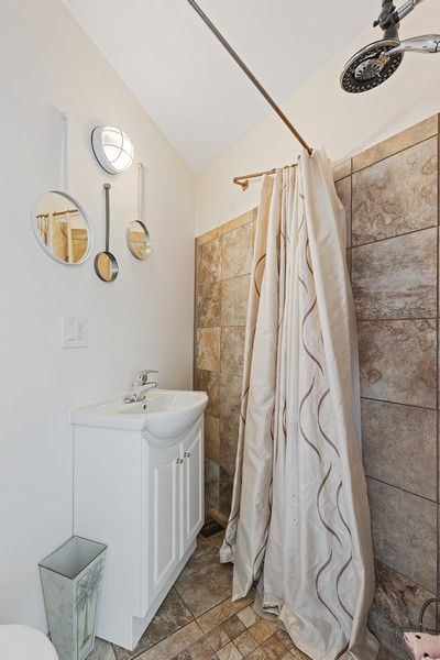 Real Estate Photography - 2202 North Halsted St, Chicago, IL, 60614 - Bathroom