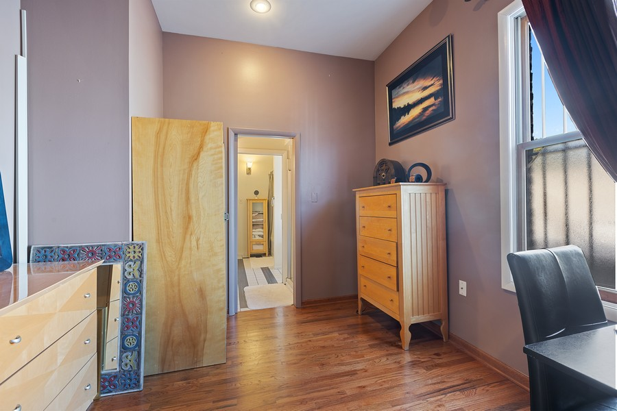 Real Estate Photography - 2202 North Halsted St, Chicago, IL, 60614 - Office