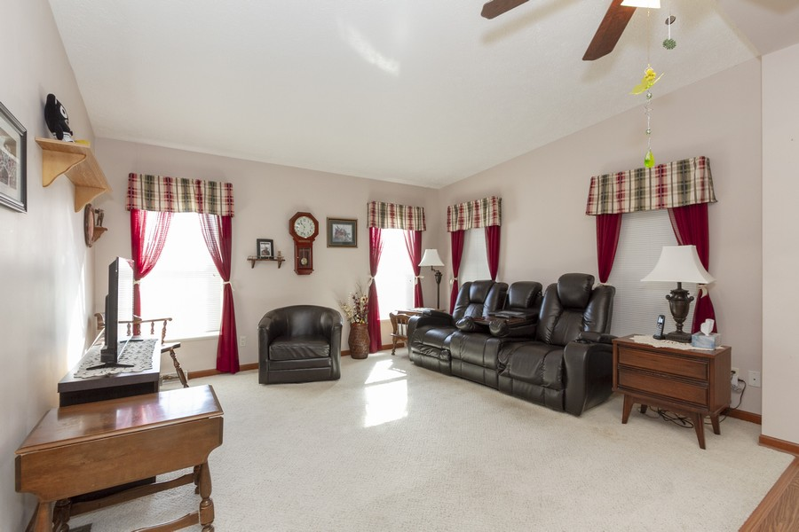 Real Estate Photography - 5127 Lucille Dr, Monee, IL, 60449 - Family Room