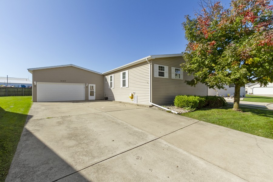 Real Estate Photography - 5127 Lucille Dr, Monee, IL, 60449 - Front View