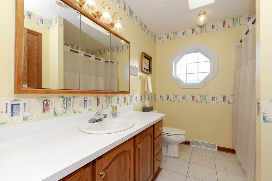 Real Estate Photography - 5127 Lucille Dr, Monee, IL, 60449 - Bathroom