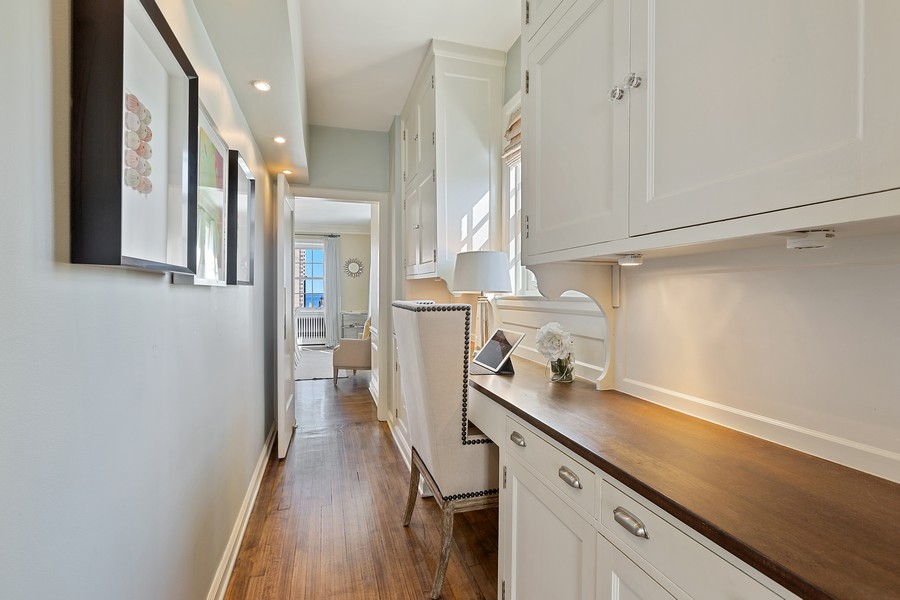 Real Estate Photography - 1366 North Dearborn St, 9A, Chicago, IL, 60610 - Hallway