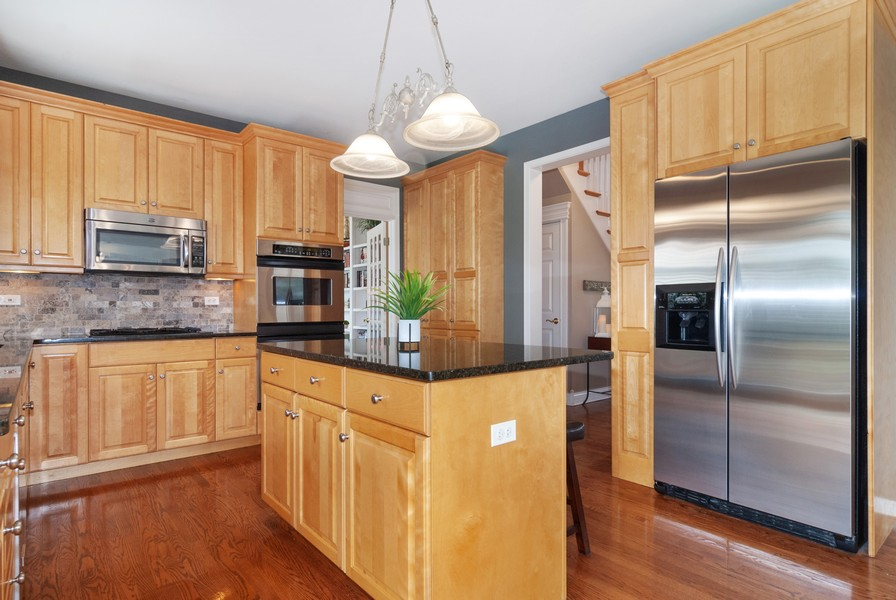 Real Estate Photography - 2538 Spring Green Way, Batavia, IL, 60510 - Kitchen