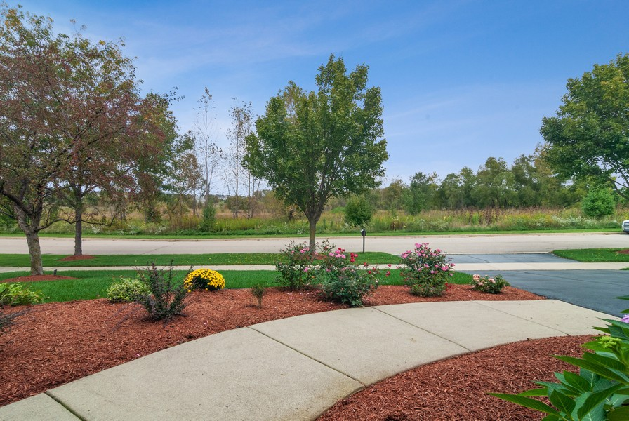 Real Estate Photography - 2538 Spring Green Way, Batavia, IL, 60510 - Front View
