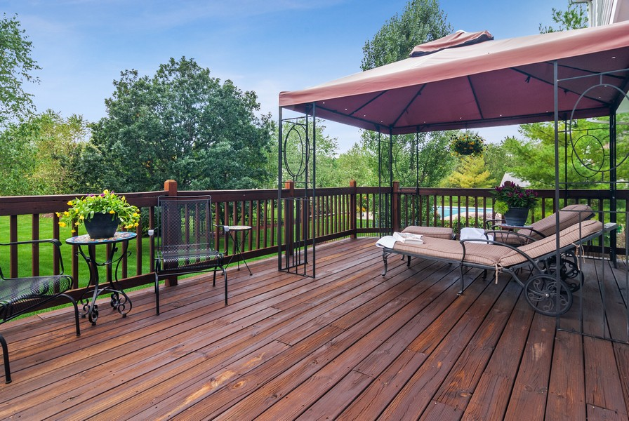 Real Estate Photography - 2538 Spring Green Way, Batavia, IL, 60510 - Deck