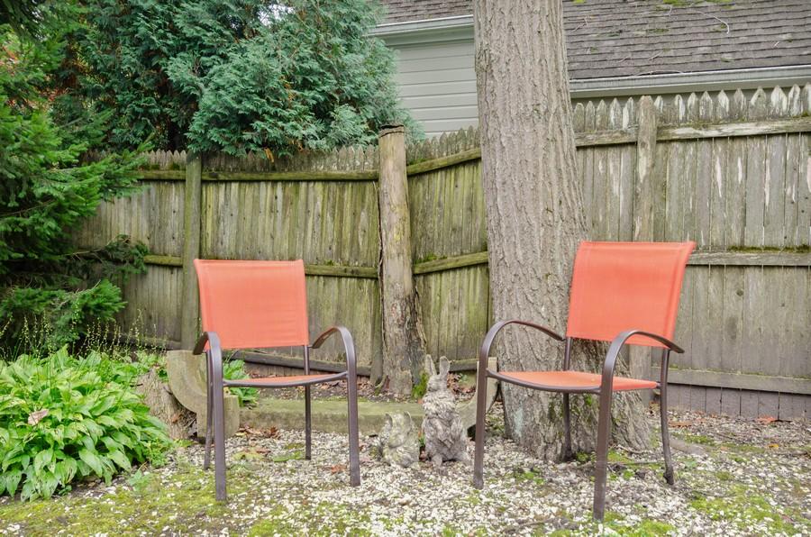Real Estate Photography - 720 Green Bay Rd, 2E, Winnetka, IL, 60093 - Back Yard