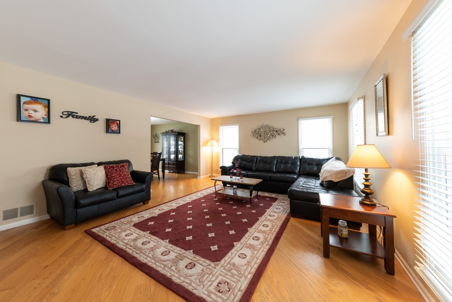Real Estate Photography - 430 West Whitehall Dr, Arlington Heights, IL, 60004 - Living Room