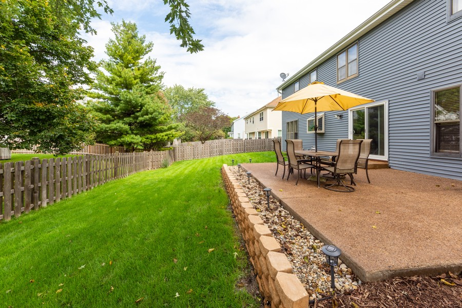 Real Estate Photography - 430 West Whitehall Dr, Arlington Heights, IL, 60004 - Back Yard