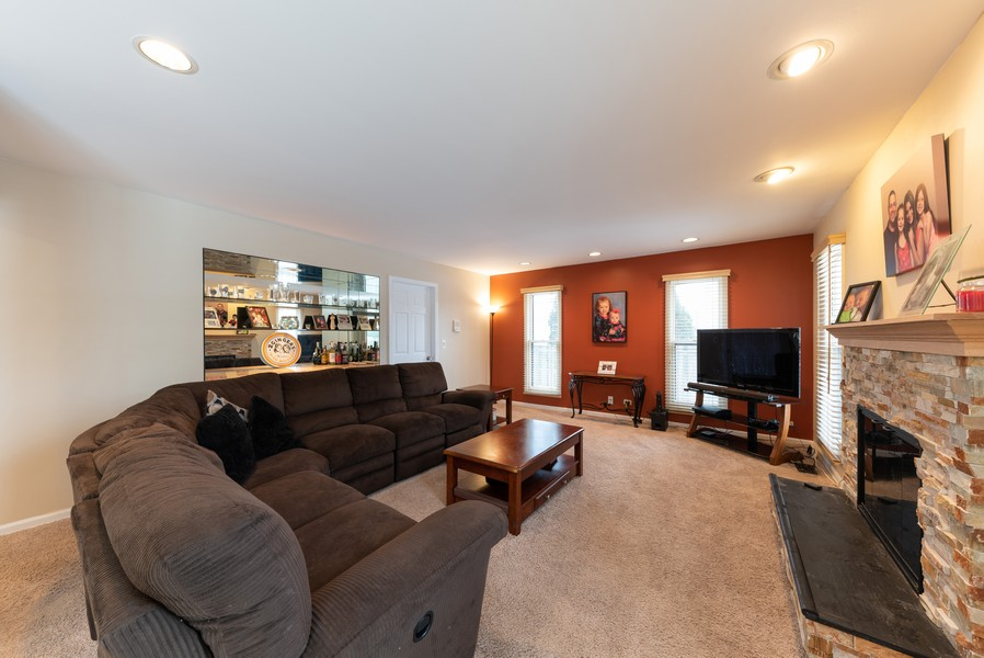 Real Estate Photography - 430 West Whitehall Dr, Arlington Heights, IL, 60004 - Family Room