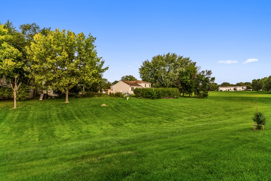 Real Estate Photography - 330 Rodenburg Rd, Roselle, IL, 60172 - Back Yard