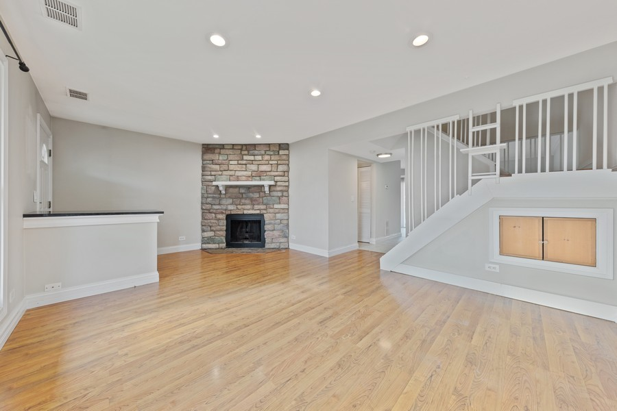 Real Estate Photography - 330 Rodenburg Rd, Roselle, IL, 60172 - Family Room