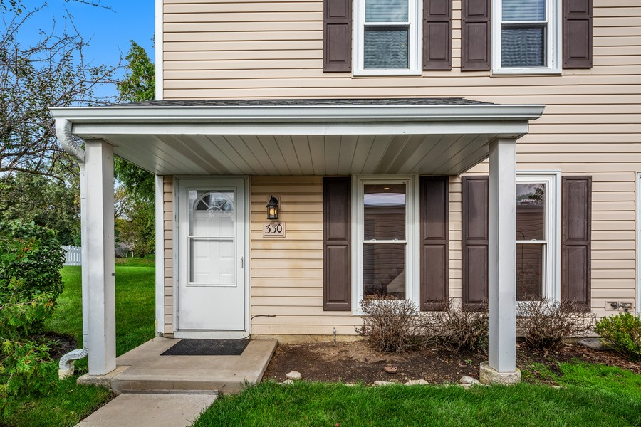 Real Estate Photography - 330 Rodenburg Rd, Roselle, IL, 60172 - Front View