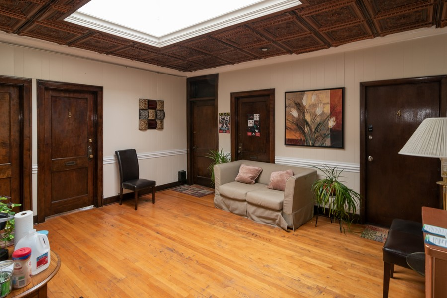 Real Estate Photography - 1142 Chicago Ave, Oak Park, IL, 60302 - Location 1