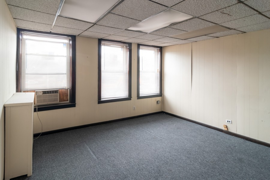 Real Estate Photography - 1142 Chicago Ave, Oak Park, IL, 60302 - Bedroom