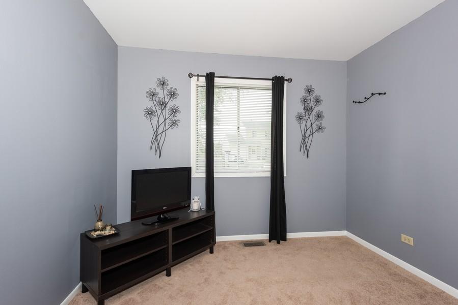 Real Estate Photography - 29W750 Hurlingham Dr, Warrenville, IL, 60555 - 2nd Bedroom