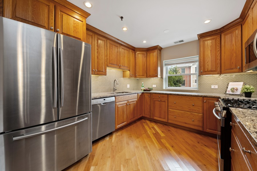 Real Estate Photography - 110 South Evergreen Ave, 2AS, Arlington Heights, IL, 60005 - Kitchen
