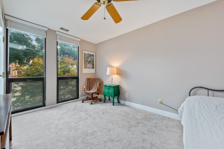 Real Estate Photography - 110 South Evergreen Ave, 2AS, Arlington Heights, IL, 60005 - Bedroom