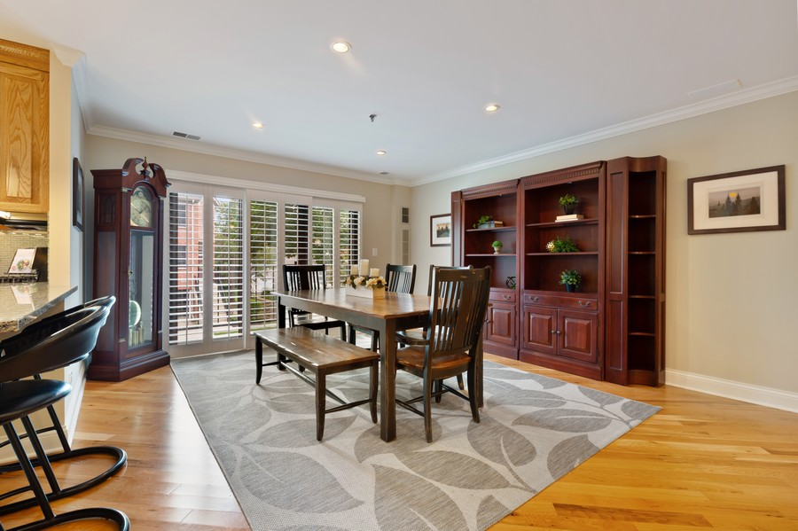 Real Estate Photography - 110 South Evergreen Ave, 2AS, Arlington Heights, IL, 60005 - Dining Room
