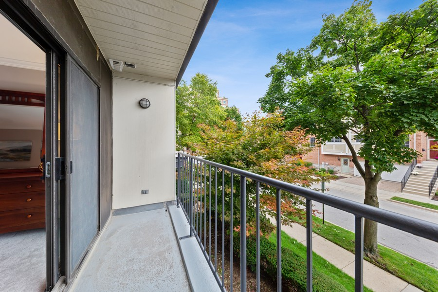 Real Estate Photography - 110 South Evergreen Ave, 2AS, Arlington Heights, IL, 60005 - Balcony
